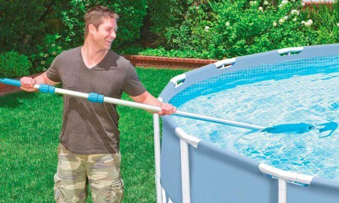 Aspiratori e pulitori fondo piscina